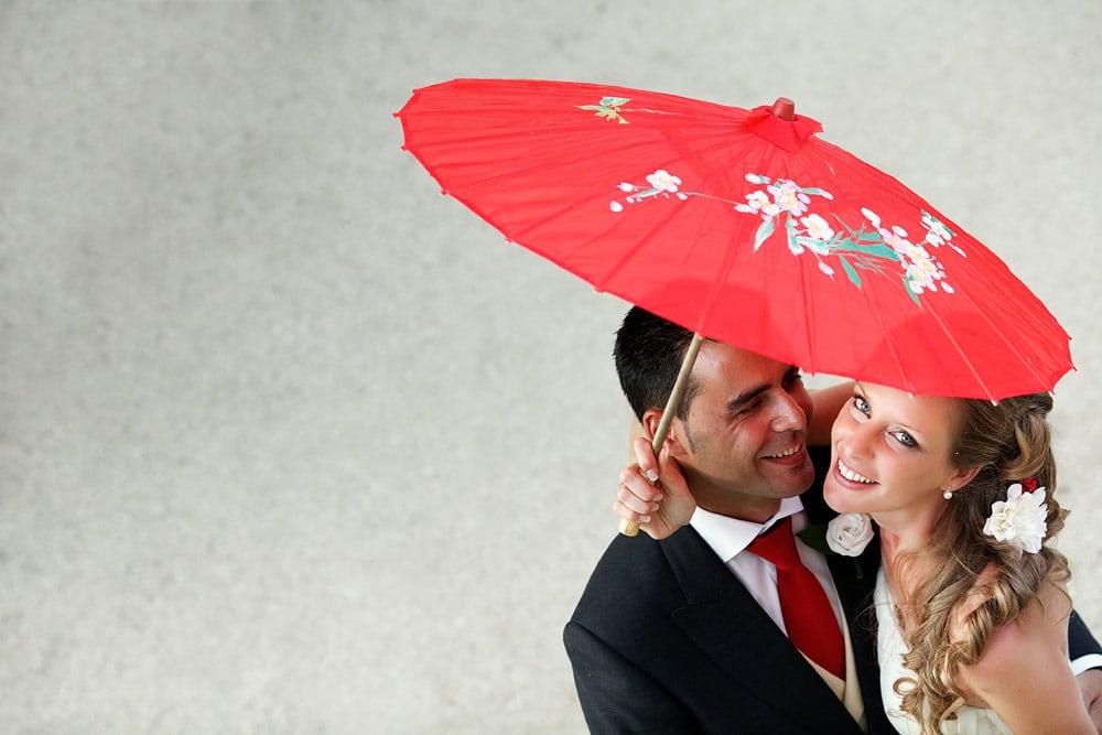 Reportage de boda en Madrid ceremonia civil en el campo